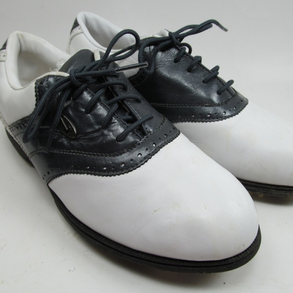 all leather nike shoes womens